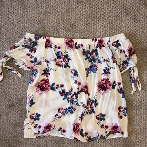 Peppermint off the shoulder floral top